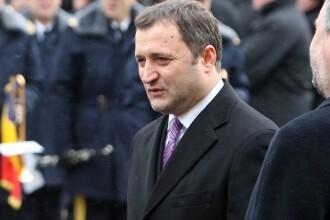Premierul moldovean Vlad Filat a facut o baie de multime dupa ce a fost demis