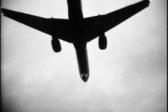 Avion fara pilot, observat in apropierea unui aeroport din New York