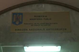 Magistratele acuzate de luare de mita urmau sa judece eliberarea conditionata a lui Adrian Nastase