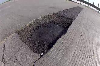 Autostrada Gropilor - 80 de km de cratere ii asteapta pe soferii care vor sa ajunga la mare de 1 Mai