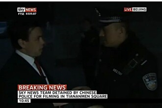 Corespondent al postului Sky News, retinut in Piata Tiananmen in timpul unei transmisiuni directe