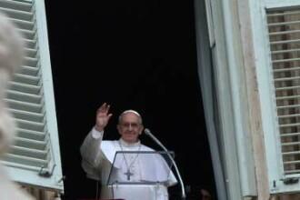 Papa Francisc a rostit rugaciunea Angelus in Piata Sf. Petru: Aceasta piata capata dimensiunea lumii