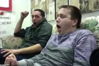 Cum reactioneaza doi tineri cand vad o femeie care naste. Filmarea a ajuns virala. VIDEO