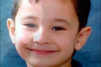 Un baietel de 7 ani a supravietuit trei nopti gerului siberian multumita unui caine fara stapan