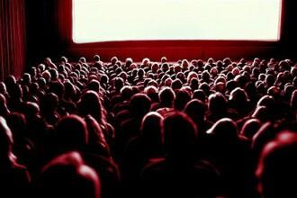 Politistii din Utah, suprinsi de ce au gasit intr-o sala de cinema. I-au arestat pe loc pe toti