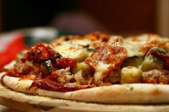 FOTO. Motivul pentru care un client n-a vrut sa ridice pizza comandata. Chitanta a ajuns viral