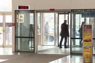 Cati romani intra intr-un mall din Capitala in 15 minute? Comerciantii au anuntat ca 2014 e anul consumului