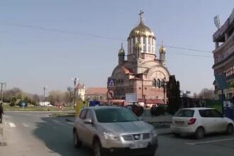 Fagaras, orasul unde e mai important sa ridici catedrale poleite cu aur decat sa-i ajuti pe saraci. Explicatia autoritatilor
