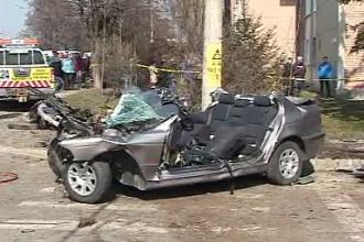 Accident grav in Miercurea Ciuc. O femeie de 53 de ani si doi politisti tineri au murit pe loc