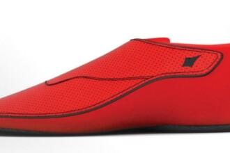 Cum arata pantoful sport cu GPS incorporat. Costa 100 de dolari si iti indica in ce directie sa mergi si cate calorii ai ars