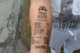 Dovada de devotament sau lipsa de inspiratie? Ce si-a tatuat pe brat un adolescent din Norvegia