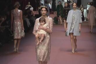 Saptamana modei de la Milano s-a incheiat cu o prezentare dedicata mamelor. Cu ce creatii a impresionat Dolce&Gabbana