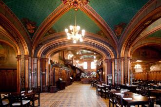 Povestea restaurantului frecventat de Dej si Ceausescu in care gaseai Coca-Cola inainte de 89. Cine e omul care l-a cumparat