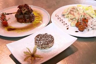 Numele Klaus Iohannis vinde bine. Restaurantele din Sibiu au introdus in meniu pizza si deserturi cu numele presedintelui