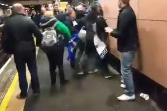 Huliganism la metroul londonez. Suporteri ai celor de la Chelsea si Tottenham s-au batut pe peron. VIDEO