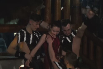 Petreceri pe Valea Prahovei, de 8 martie. Doamnele au fost intretinute cu dansuri lascive din partea unor dansatori