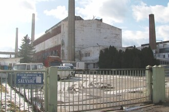 Conducerea fabricii s-a tinut de cuvant. Activitatea la Sticla Turda a fost reluata