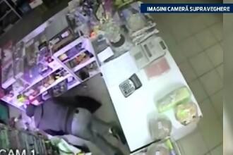 Au spart un magazin din Lugoj si nu si-au dat seama ca sunt filmati. Tinerii risca acum 10 ani de inchisoare