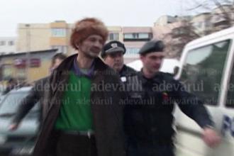 Cel mai prost hot din Romania. Cum s-a dat barbatul de gol in plina strada
