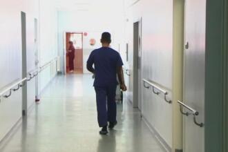 Medic de garda de la Spitalul Parhon din Iasi, suspendat din activitate dupa moartea unui profesor universitar