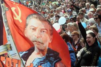 Vladimir Putin se inspira din propaganda stalinista. Ce mesaj ascuns i-a trimis mamei lui Nemtov