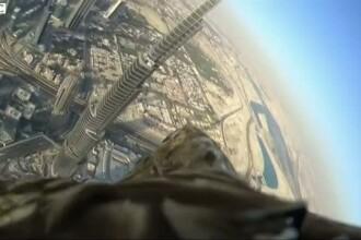 Cum arata Dubaiul prin ochii unui vultur imperial. Imagini surprinse de o camera montata pe spatele pasarii
