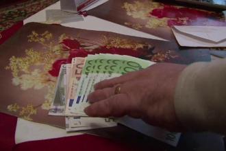 Doi batrani din Hunedoara au ramas fara 2.000 de euro pe care au sperat sa-i dubleze usor. Metoda prin care au fost inselati