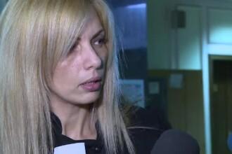 Avocata Alinei Bica, Laura Voicu, a fost retinuta de procurori. Este acuzata ca si-a trimis ilegal un reprezentant la DNA