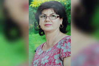 Femeia care s-a sinucis pentru ca nu si-a primit salariul de 3 luni a fost inmormantata. Decizia luata de familie