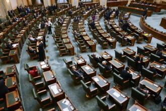 Deciziile importante in fata carora se afla Parlamentul. Cei 3 politicieni care ar putea ajunge dupa gratii saptamana aceasta