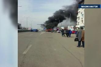 Un sofer din Capitala, la un pas sa arda de viu in propria masina. S-a urcat la volan desi automobilul era in flacari