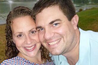 Ce a descoperit un cuplu cand s-a uitat la o caseta video din copilaria barbatului: