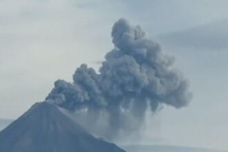 Coincidenta bizara in Mexic. Cei mai periculosi vulcani au erupt in aceeasi zi, aruncand fum si cenusa in aer