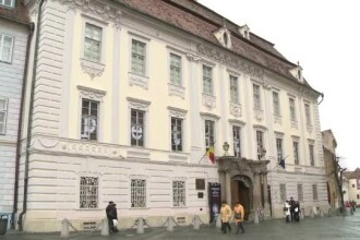 Salvati Muzeul Brukenthal! Aceasta cladire are nevoie sa fie reparata urgent, insa nimeni nu da niciun ban
