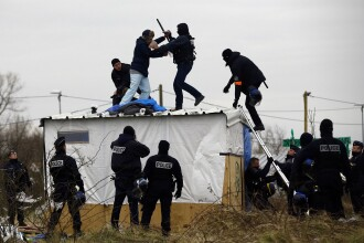 Franta avertizeaza Marea Britanie in cazul in care va iesi din UE. Cum s-ar putea muta