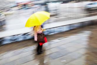 Vreme racoroasa, ploile se extind si vor fi abundente. Apar si fenomene severe, ca vijeliile si grindina
