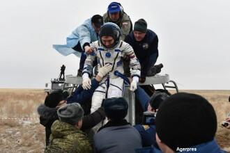 Dupa aproape un an petrecut in spatiu, Scott Kelly si Mikhail Kornienko s-au intors pe Terra. VIDEO: aterizarea astronautilor