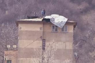 Locatarii unei cladiri din Brasov au crezut ca e cutremur. Ce se intamplase pe acoperisul imobilului