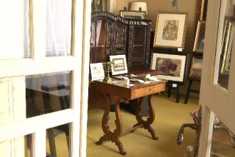Obiecte ce au apartinut filosofului Emil Cioran, scoase la licitatie. Cel mai valoros exponat din colectie
