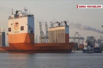 Aparitie impresionanta in Portul Constanta. Cea mai mare nava cargo din lume a ajuns in dreptul Cazinoului
