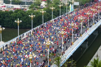 Mii de oameni s-au ranit la un maraton din China. Motivul pentru care ambulantele au intervenit in peste 12.000 de cazuri