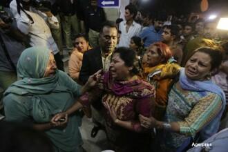 Atentat cu 65 de morti, majoritatea femei si copii, in Pakistan. Talibanii revendica atacul: