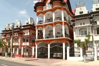 Tiganii cu palate in Tandarei, folositi de britanici ca argument anti-UE.