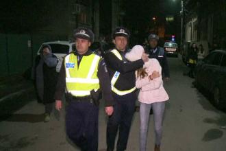 Tanara care a sugerat pe Facebook ca se va sinucide, apoi a fost gasita acasa la un prieten, va trebui sa paraseasca Romania
