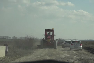 Ministrul Transporturilor a mers sa vada singurul drum national cu pamant: