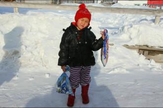 O fetita de patru ani a mers 8 km prin zapada, la o temperatura de minus 24 C, ca sa ceara ajutoare. Ce patise bunica ei