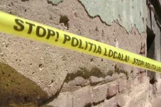 Batran ranit de o bucata de tencuiala dintr-o cladire veche, in centrul Timisoarei. Ce amenda au luat proprietarii