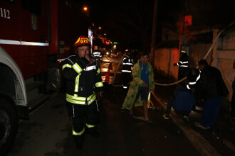 Incendiu de proportii in sectorul 1 al Capitalei. Dintr-o casa, oamenii au mai salvat doar butelia si televizorul