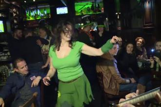 Cum au sarbatorit irlandezii din Bucuresti ziua Sfantului Patrick in Centrul Vechi.