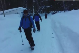 Un angajat al telecabinei de la Bâlea Lac, surprins de o avalanşă. Starea bărbatului